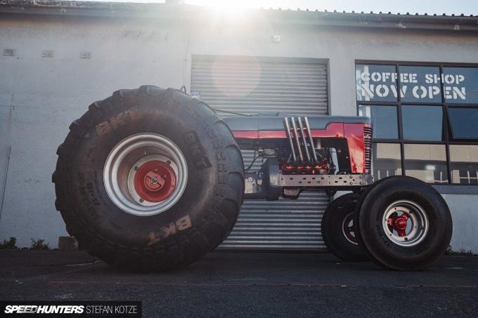stefan-kotze-speedhunters-monster-tractor-046