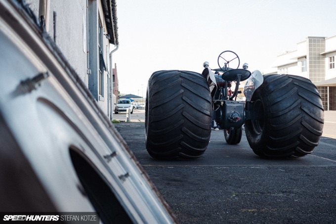 stefan-kotze-speedhunters-monster-tractor-050