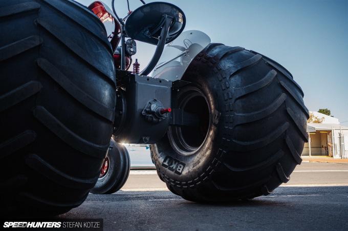 stefan-kotze-speedhunters-monster-tractor-044