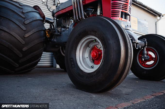 stefan-kotze-speedhunters-monster-tractor-024