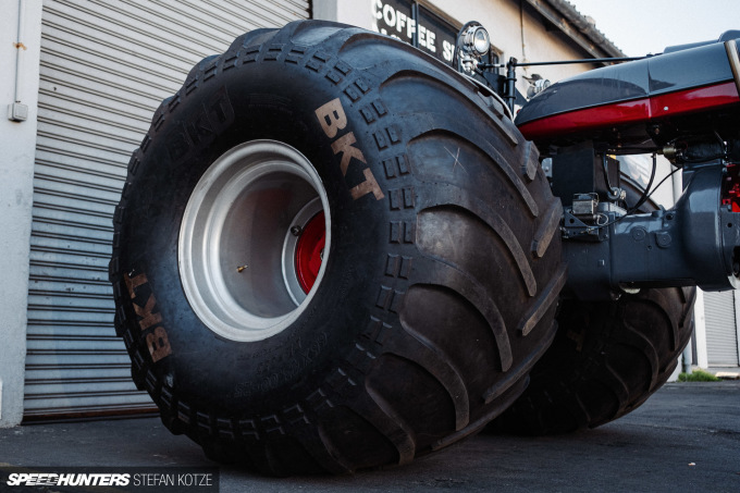 stefan-kotze-speedhunters-monster-tractor-025