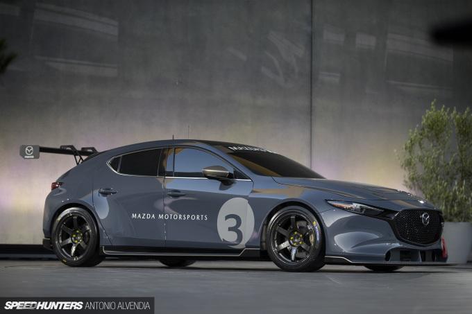Mazda 3 TCR IMSA Michelin TE37 Saga