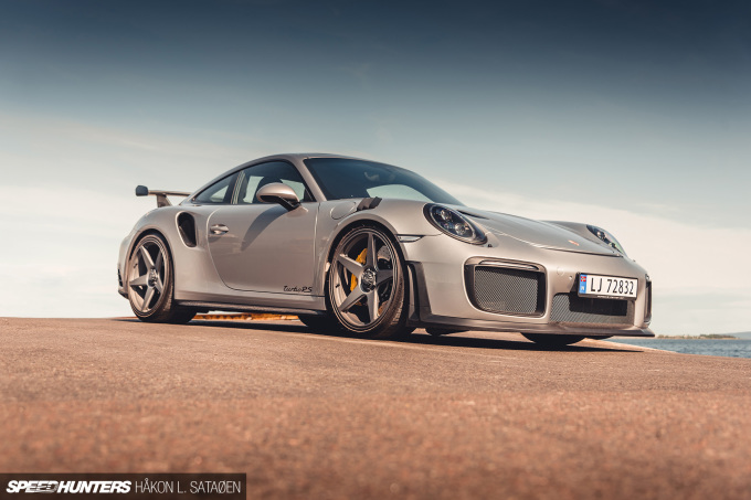 Speedhunters_Porsche_911_Turbo_RS_5