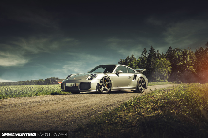 Speedhunters_Porsche_911_Turbo_RS_1