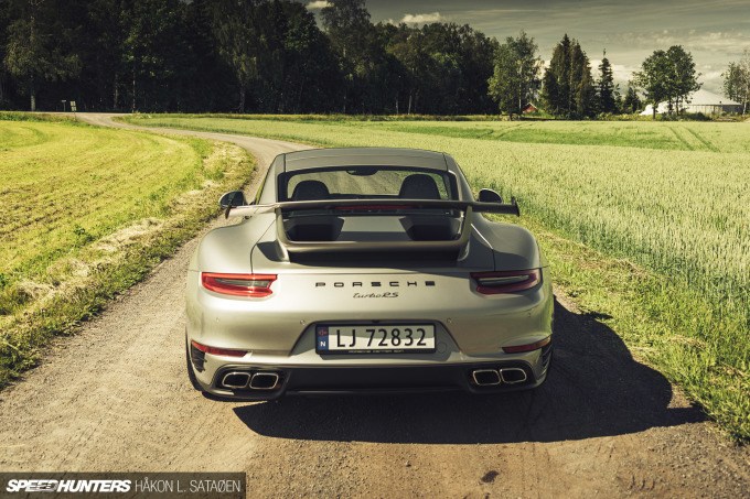 Speedhunters_Porsche_911_Turbo_RS_3-6