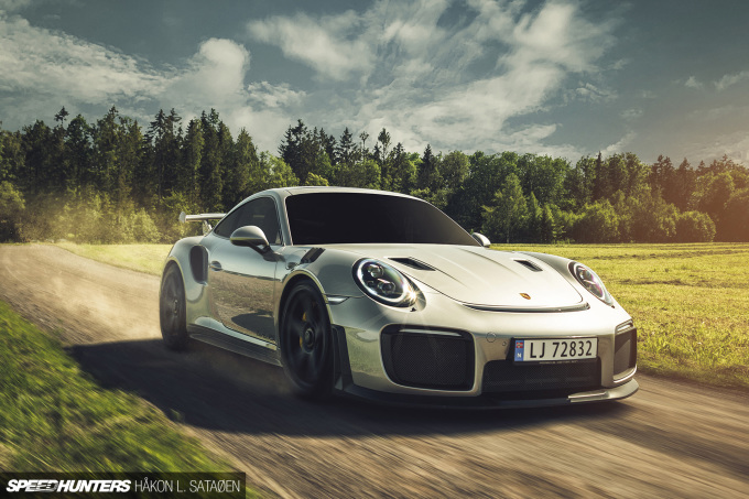 Speedhunters_Porsche_911_Turbo_RS_Roll