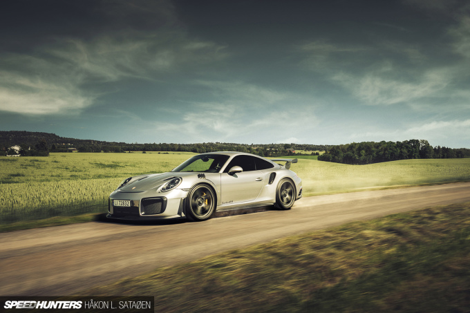 Speedhunters_Porsche_911_Turbo_RS_2