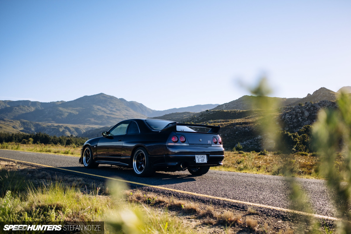 Finding An R33 GT-R Powerhouse In The Middle OfNowhere
