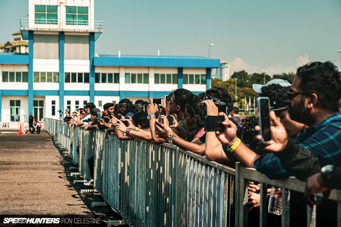 Speedhunters_Ron_Celestne_Crowd_2