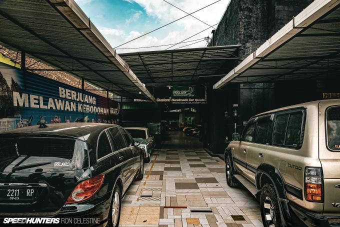 Speedhunters_RonCelestine_Kupu_Kupu_Malam_Entrance