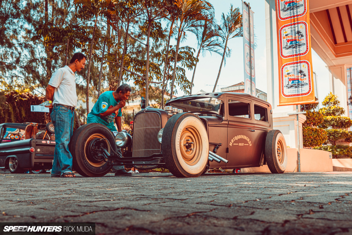 Vintage Vibes At Indonesia's Hot Rod WeekendParty
