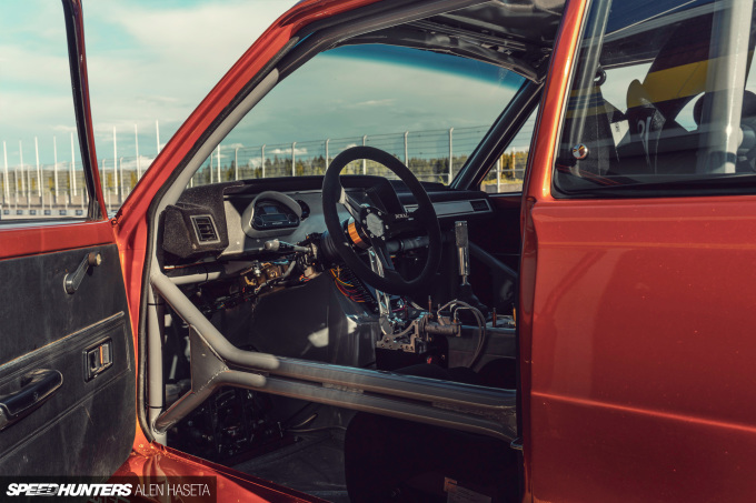 Speedhunters_Alen_Haseta_Corolla_Interior_8