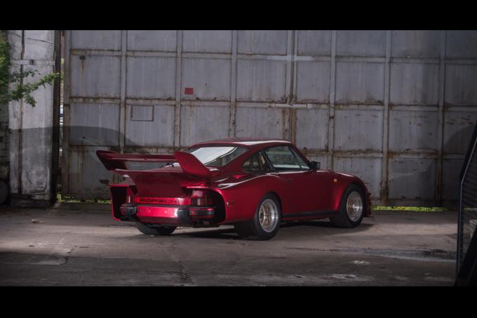 Porsche-935-Street-2