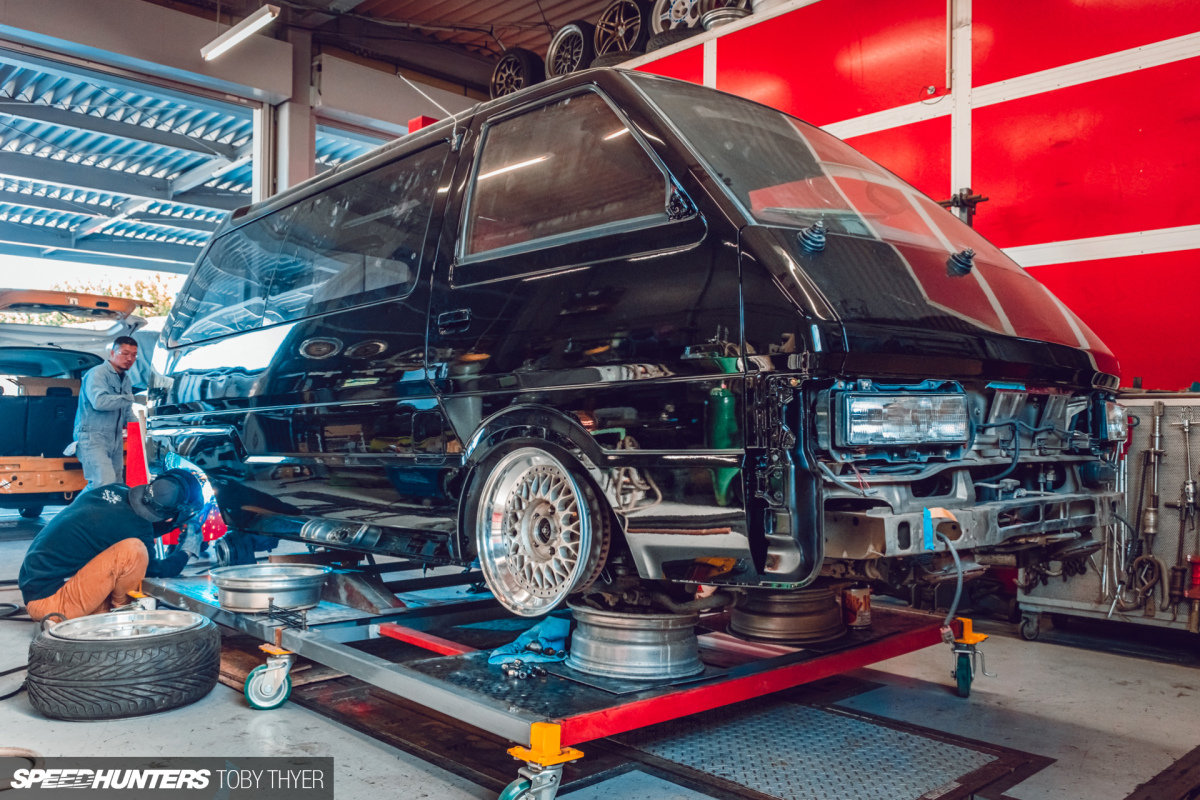Ishikawa Body Are Doing What With A NissanVanette?
