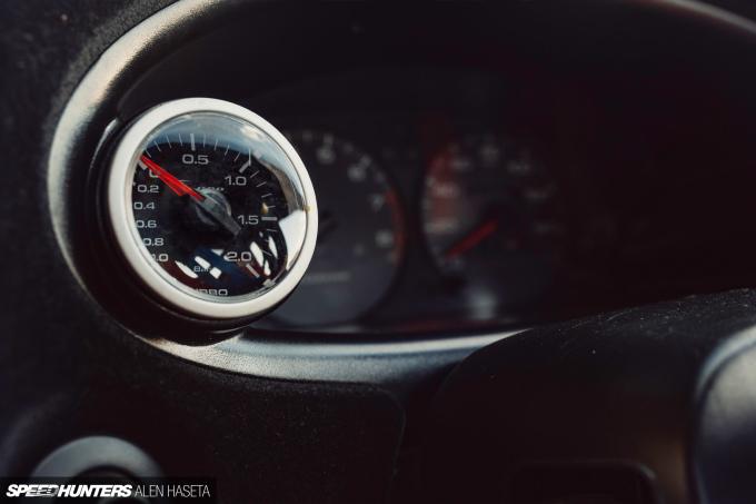 Speedhunters_Alen_Haseta_Interior3