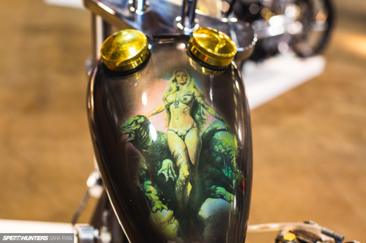 2021-1Moto-Seats-Tanks-Art_Trevor-Ryan-Speedhunters_010_2059