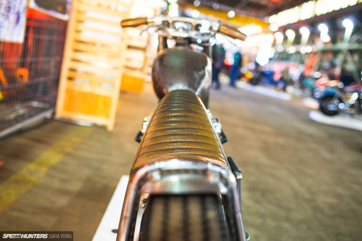 2021-1Moto-Seats-Tanks-Art_Trevor-Ryan-Speedhunters_017_2234