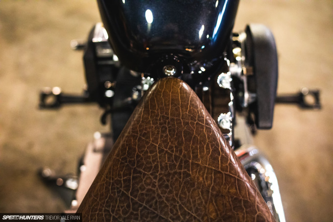 2021-1Moto-Seats-Tanks-Art_Trevor-Ryan-Speedhunters_020_8111
