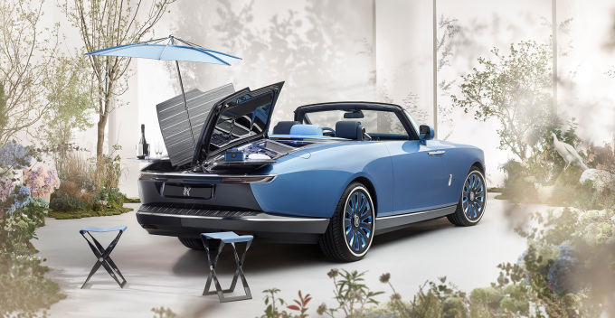 Rolls-Royce Boat Tail Hosting Suite and Parasol Lifestyle