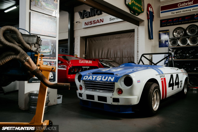 The_Datsun_Shop_stefan_kotze_Speedhunters (2)