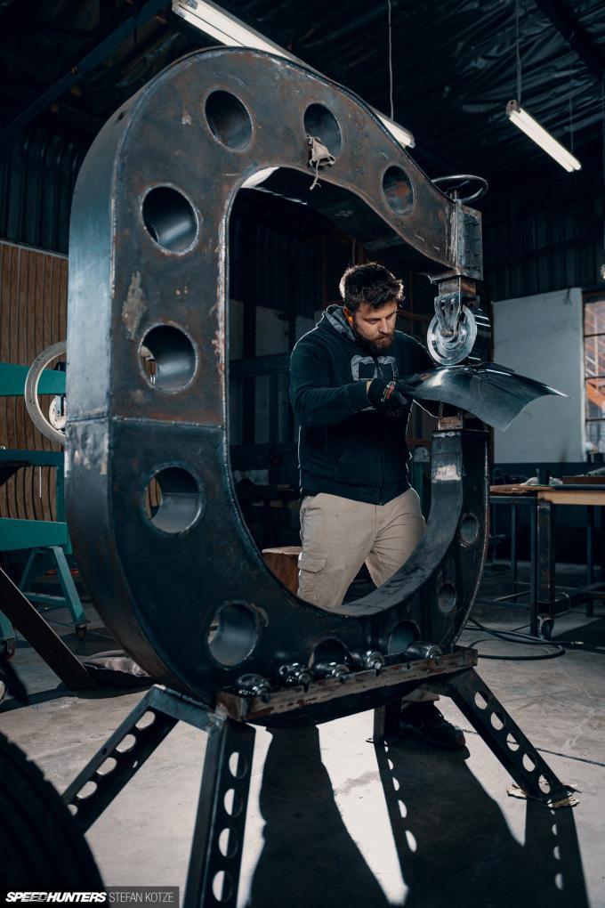 stefan-kotze-speedhunters-english-wheel-fabrication  (55)