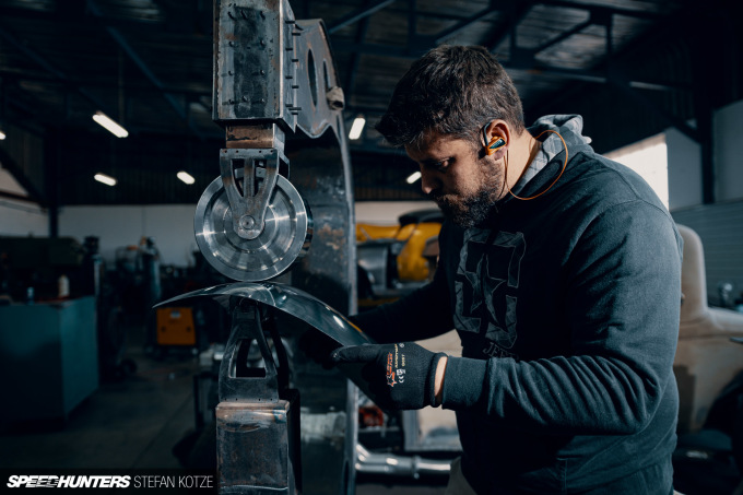 stefan-kotze-speedhunters-english-wheel-fabrication  (61)