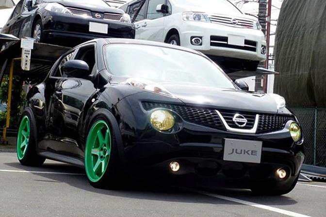 Random Snap>> Slammed Nissan Juke - Speedhunters