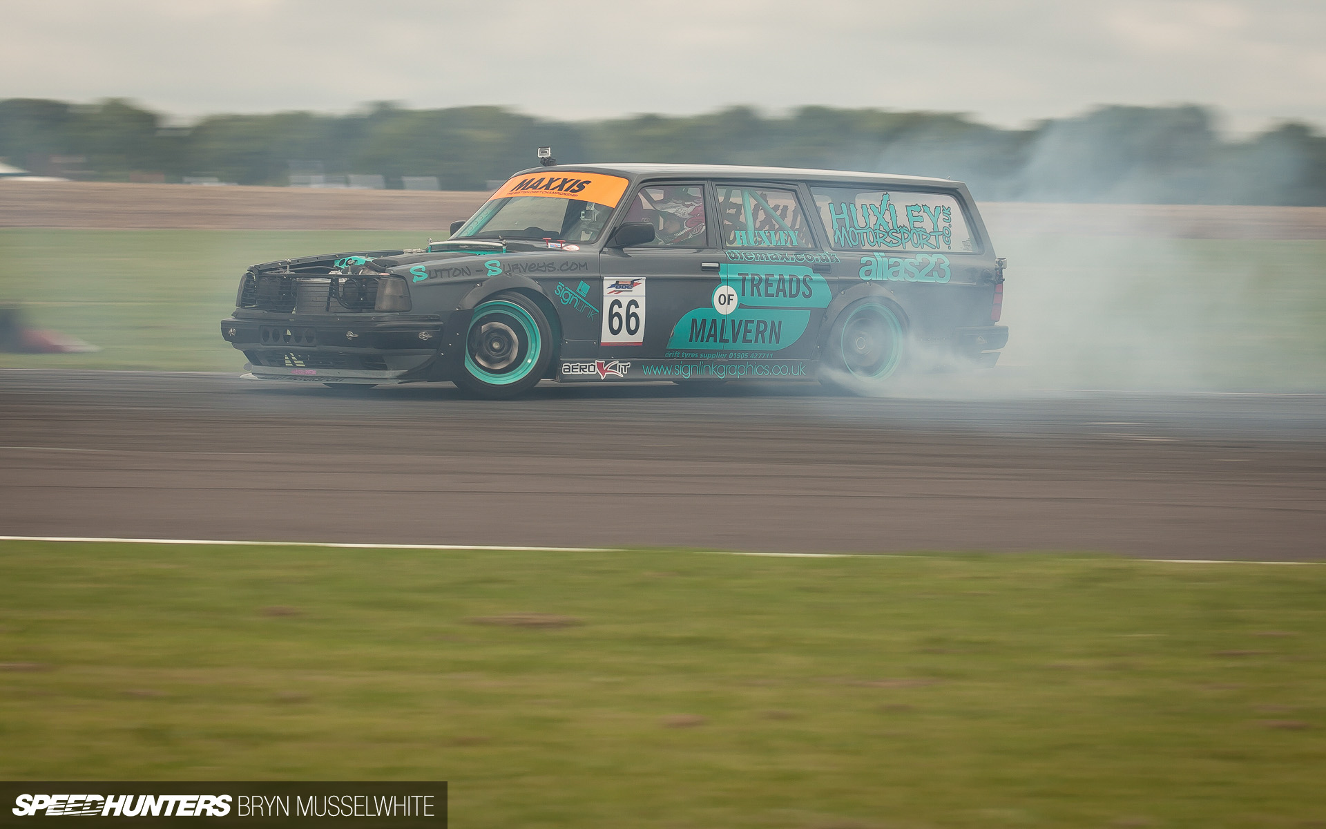 Manfoot Huxley Sliding To Infamy Speedhunters