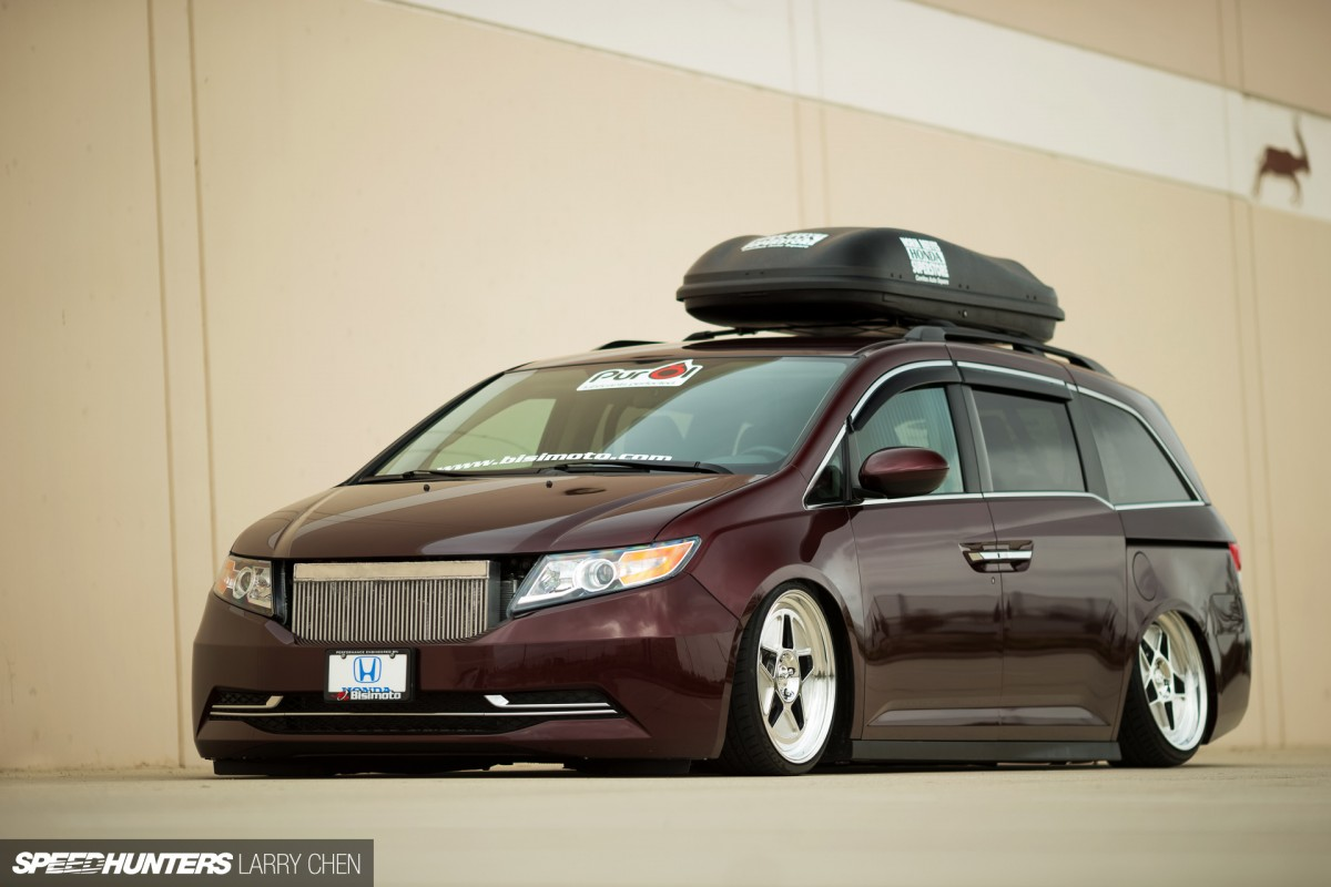 burnouts for all the family the 1029hp minivan speedhunters rh speedhunters com
