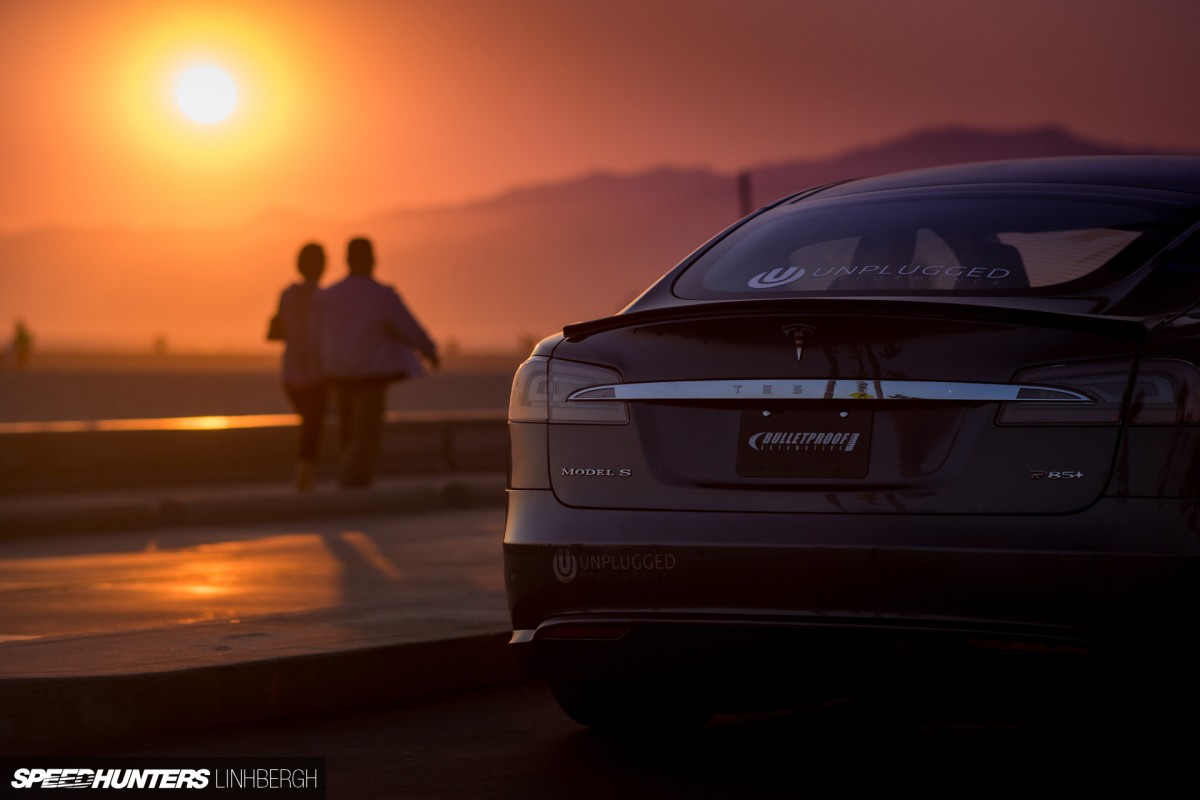unplugged tesla model s the future of car tuning speedhunters. Black Bedroom Furniture Sets. Home Design Ideas