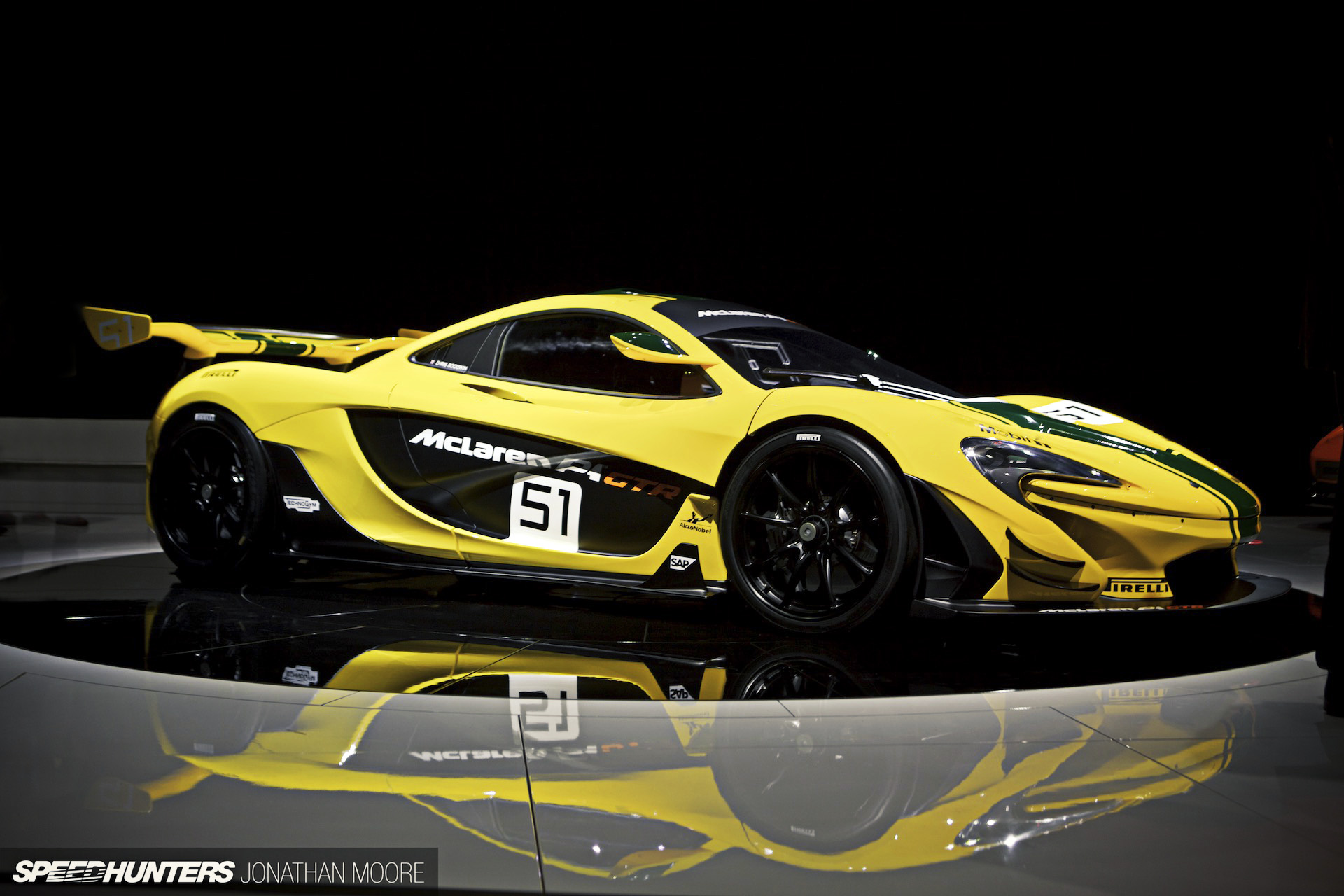 harder faster lower the mclaren p1 gtr speedhunters. Black Bedroom Furniture Sets. Home Design Ideas