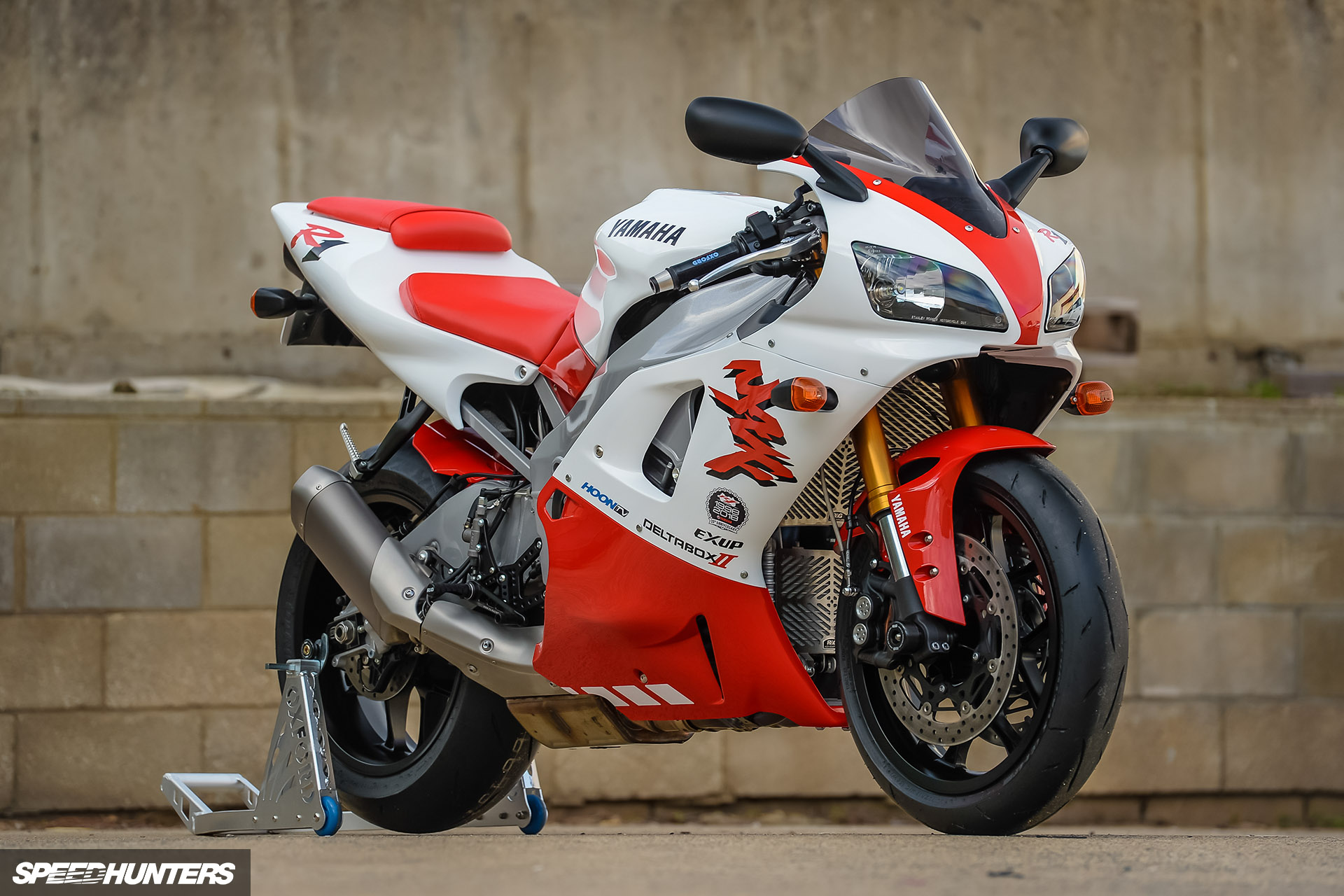 Back To The Future: Retroteching The Yamaha R1 -